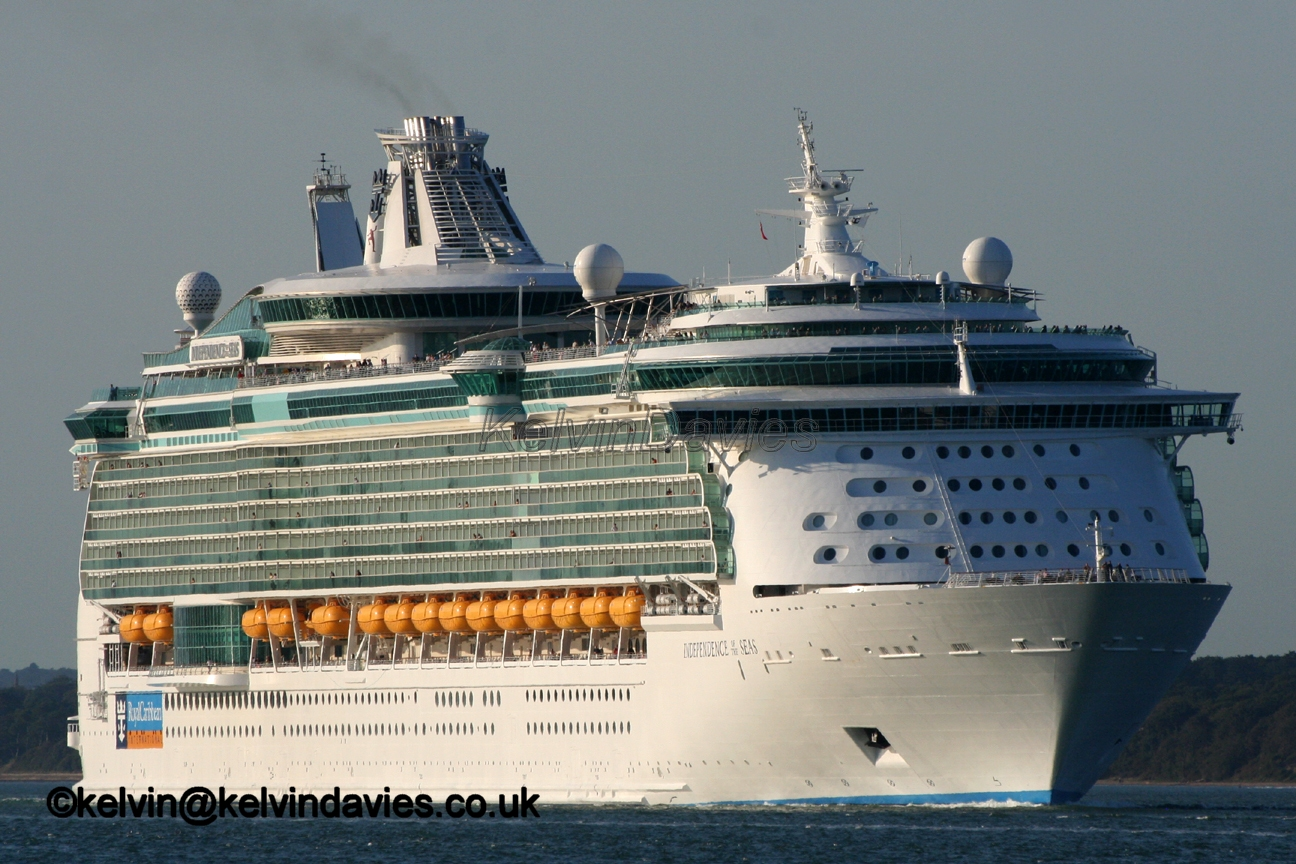 Independence Of The Seas Cruise Ship Review Passenger